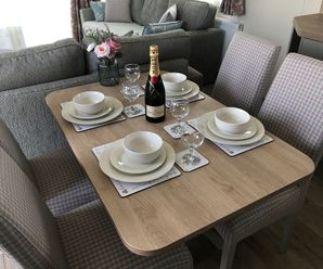 ELM 483 DINING TABLE