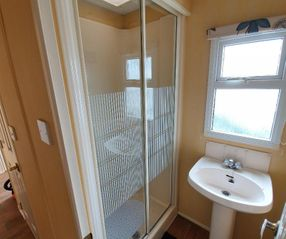 elm 434 shower room