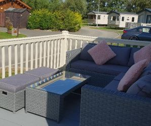 ramparts 20  outdoor sofa with lake view
